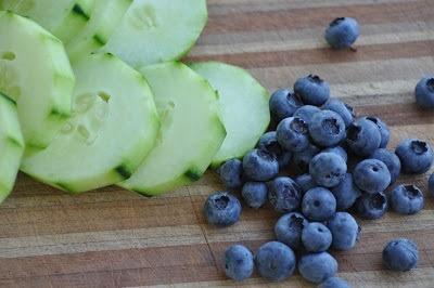 Cucumber-Blueberry Breakfast Smoothie