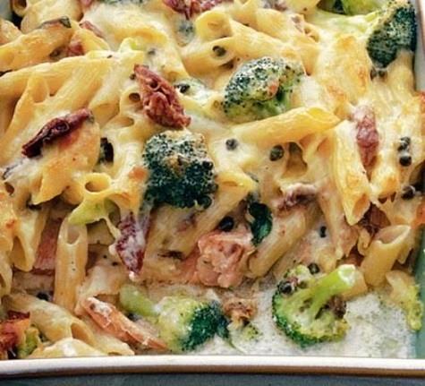 Creamy Salmon and Broccoli Bake