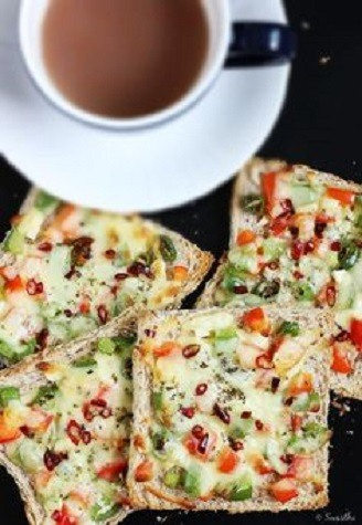 Cheese sautéed green, red, yellow capsicum toast topping