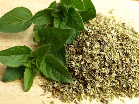 Crushed and Dried Oregano