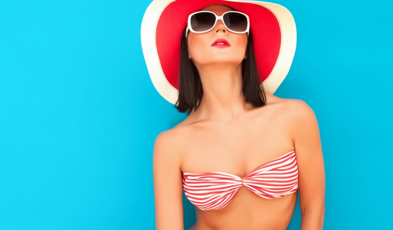 10 Must Have Makeup Products For The Perfect Beach Look