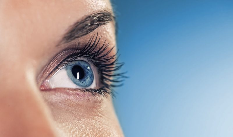 Making Your Eyelashes Look Longer Naturally: Your One-Stop Guide