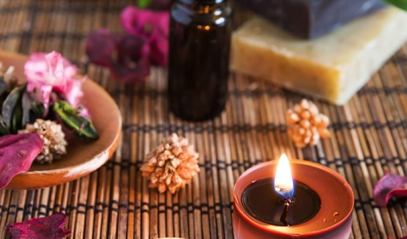Aromatherapy Facts, Benefits and Uses – Infographic
