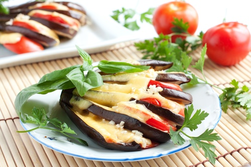 Baked eggplant with cheese and tomato