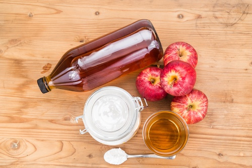 Apple cider vinegar and baking soda combination for acid reflux