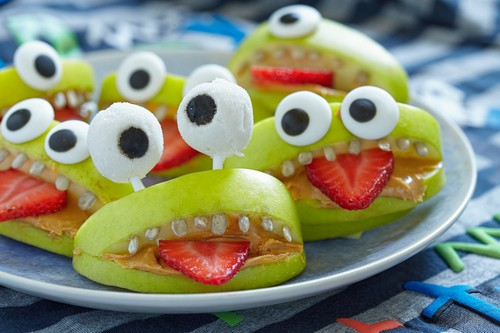 subhead 3 5 - 7 Ways To Make Fruits A Good Halloween Treat