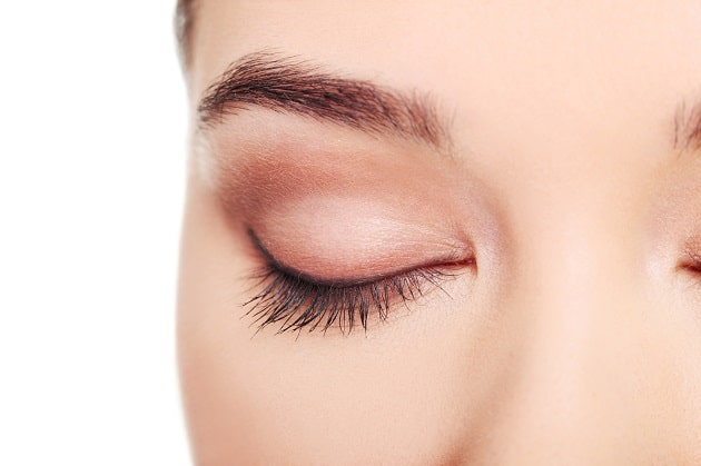 how to fix dry eyelids